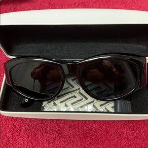 Men's Unisex Gianni Versace tinted black sunglasse